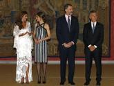 Recepción oficial de los Reyes y distintas personalidades de la...