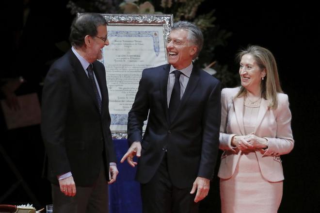 Mariano Rajoy y Ana Pastor entregan el premio Nueva Economía Fórum...
