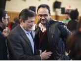 Javier Fernández saluda a Antonio Hernando en el acto del PSOE sobre...