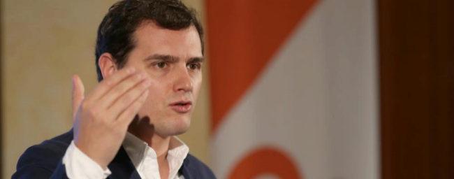 """Rivera exige la dimisión de Pedro Antonio Sánchez: """"Algún candidato tendrá el PP que no esté imputado"""""""