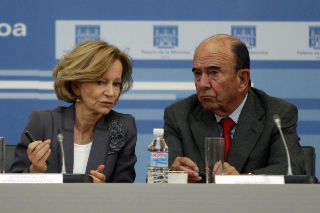 Elena Salgado, vicepresidenta económica con Zapatero, junto al ex presidente del Santander, Emilio Botín.