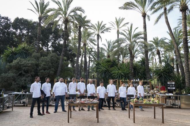 Los 11 concursantes de 'Top Chef', antes de comenzar el desafío del tercer programa.