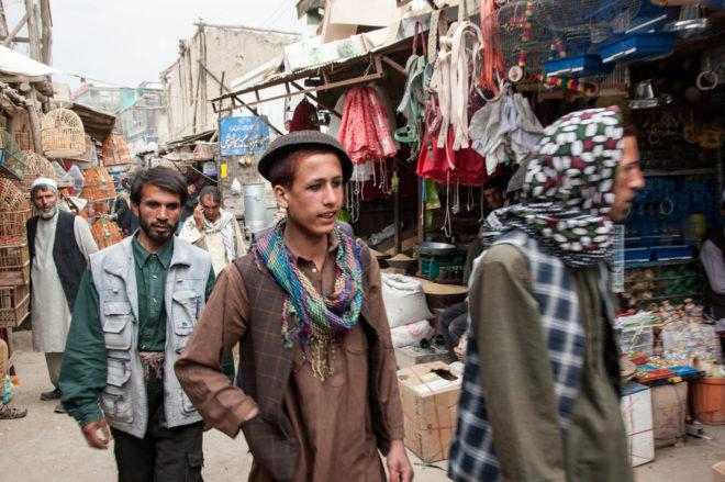 El Gobierno afgano prohíbe los 'niños prostitutos' para combatir a los talibán