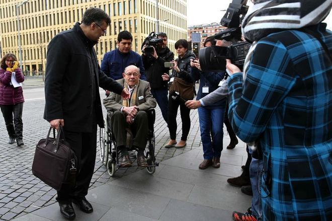 El ex presidente del Palau, Félix Millet, a su llegada a la Ciutat de la Justícia en la primera sesión del juicio