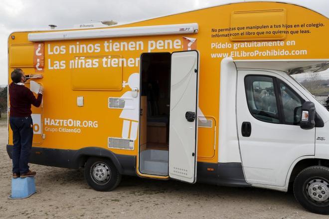 La caravana de HazteOir.org con el nuevo lema.