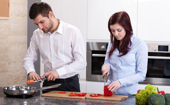 El nuevo machismo en el hogar m s all de qui n coge la for Cocinando el cambio