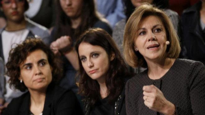 Andrea Levy, junto a las ministras Dolors Montserrat y María Dolores de Cospedal, en Madrid.
