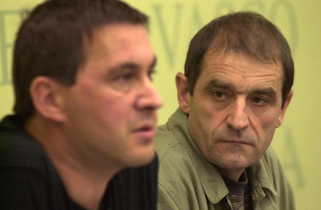 'Josu Ternera', junto a Arnaldo Otegi en una rueda de prensa en el...