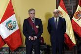 Alfonso Dastis y su hómologo peruano, Ricardo Luna, tras su encuentro...