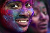Celebración de Holi en Bangalore, en India.