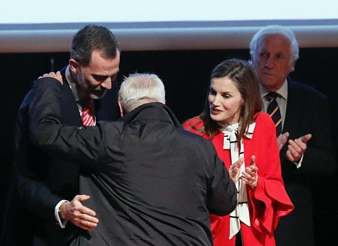 Los Reyes de España entregan a José Andrés, padre de Andrés...