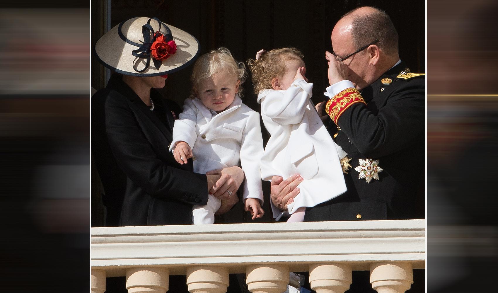 Los príncipes Jacques y  Gabriella de Mónaco con sus padres,...