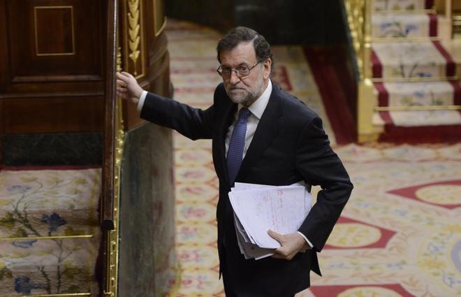 Mariano Rajoy accede a la Tribuna de Oradores del Congreso durante la...