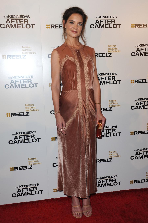 La actriz apostó por un vestido de terciopelo y encaje de Alberta...