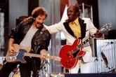 Bruce Springsteen y Chuck Berry tocado 'Johnny B. Good' en Cleveland...