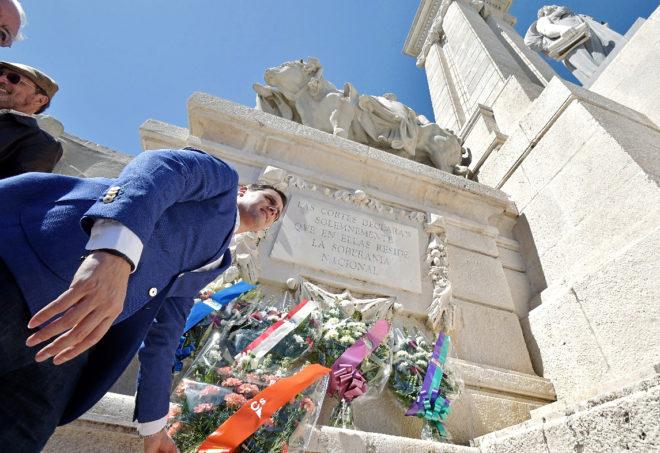 El líder de Ciudadanos, Albert Rivera, ayer, en un acto en el monumento a la Pepa en Cádiz.