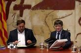 Carles Puigdemont y Oriol Junqueras durante la reunión semanal del...