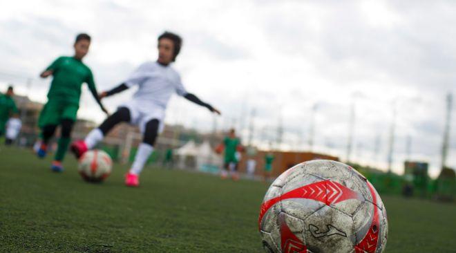 El Futbol No Crea La Violencia Tolera