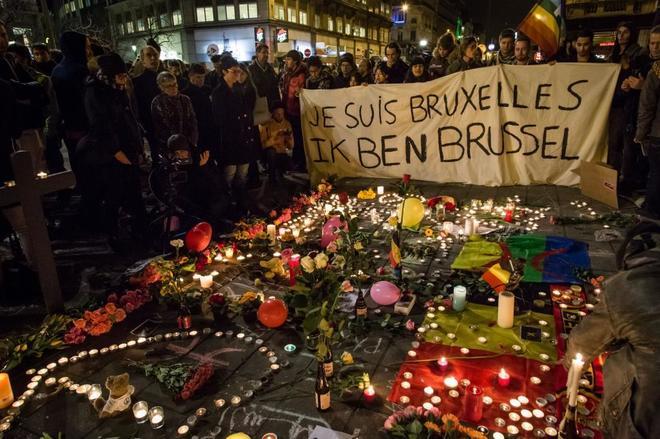 El lema 'Yo soy Bruselas' fue protagonista en los homenajes que hubo tras el 22-M.