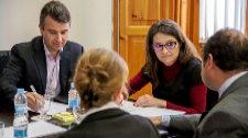 Mónica Oltra agota el cupo y contrata a su asesor número 12