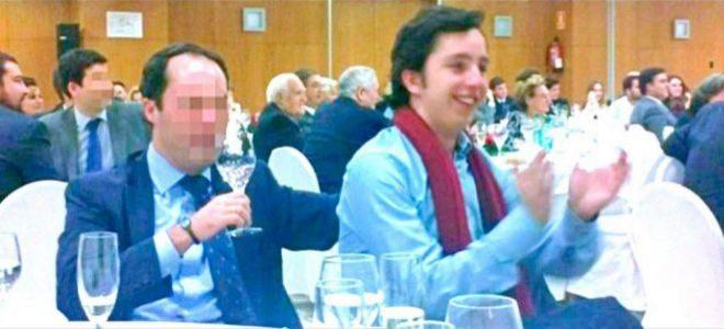 Emilio García Grande junto a el pequeño Nicolás en una cena celebrada por el PP de Chamartín