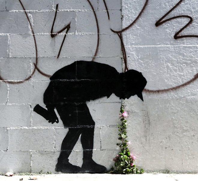 Graffiti de Banksy 'Better out than in', en Los Ángeles.