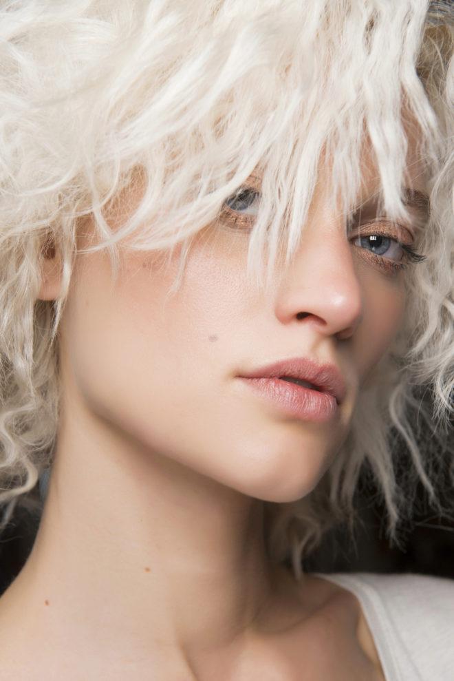 El rubio platino c mo conseguir el tono de moda belleza el mundo - Rubio platino en casa ...