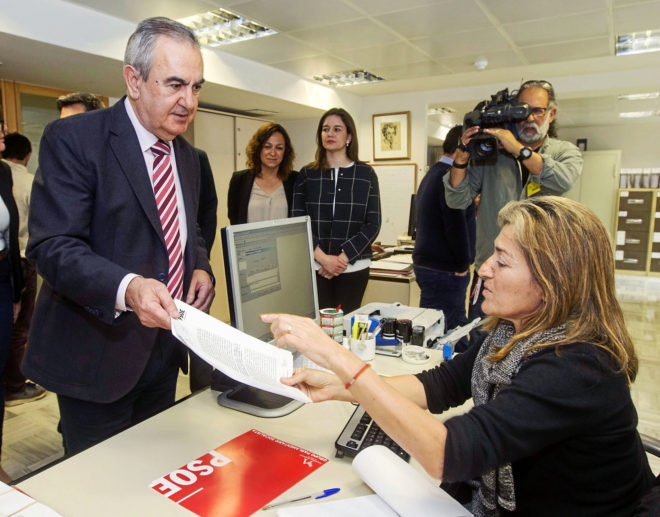 El secretario general del PSOE murciano, Rafael González Tovar,...