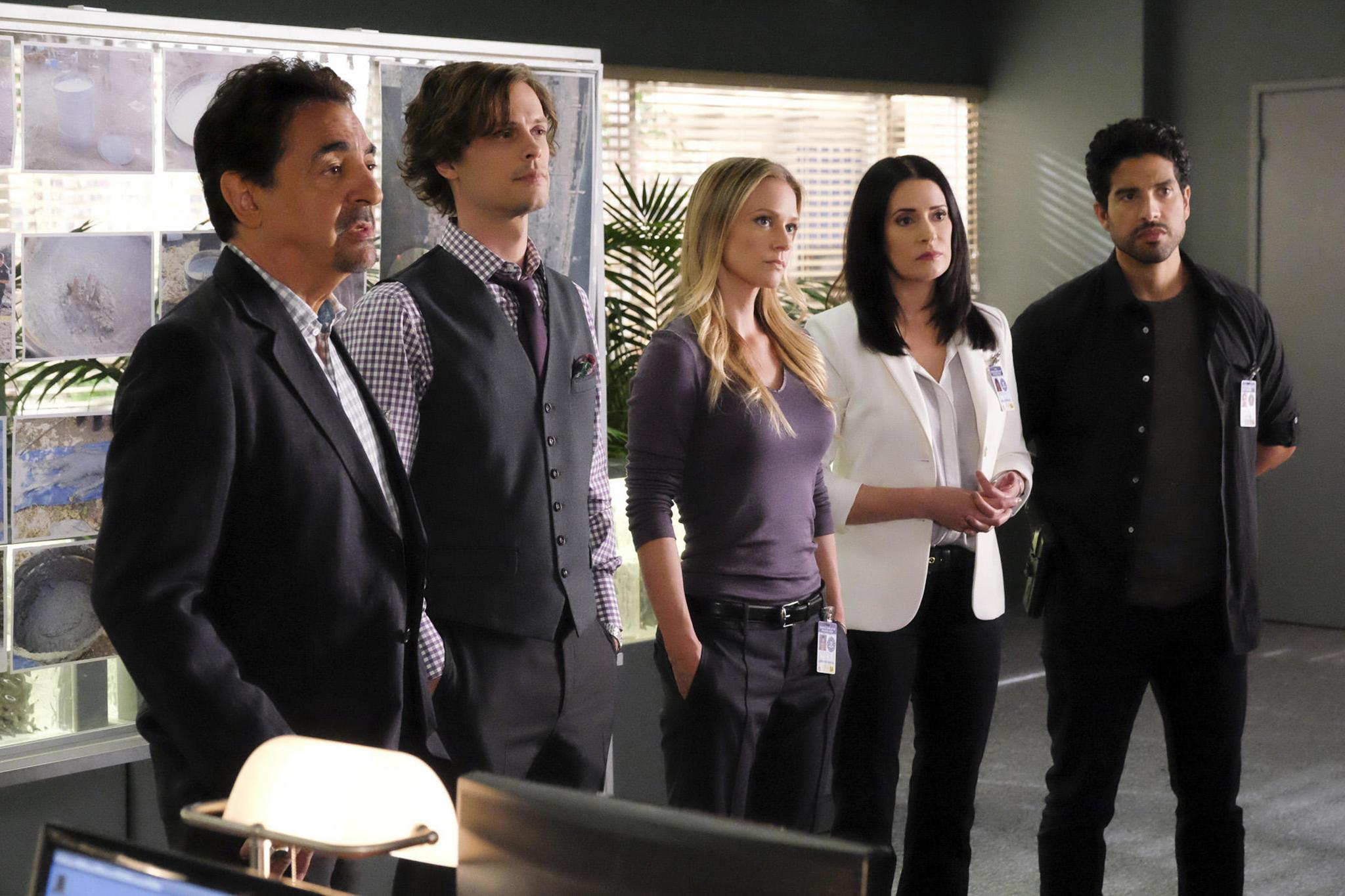 El reparto de la serie 'Mentes criminales', liderado por el actor Joe...