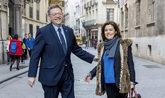 Soraya Sánez de Santamaría con el presidente valenciano, Ximo Puig,...