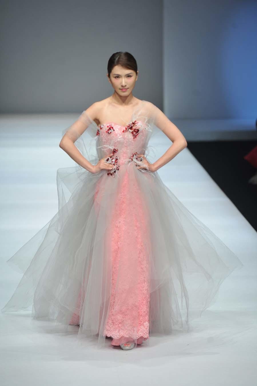 Mija Design desfila en China Fashion Week