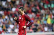 Cristiano Ronaldo, en una acción de juego contra Suecia.