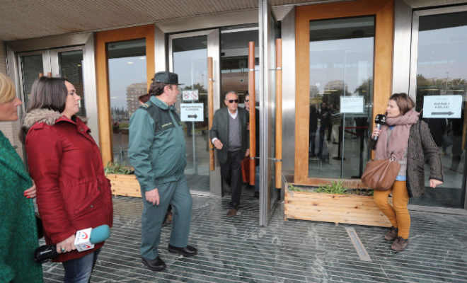Carlos Fabra a su salida del juzgado de Castellón tras declarar por el Club de golf La Coma.