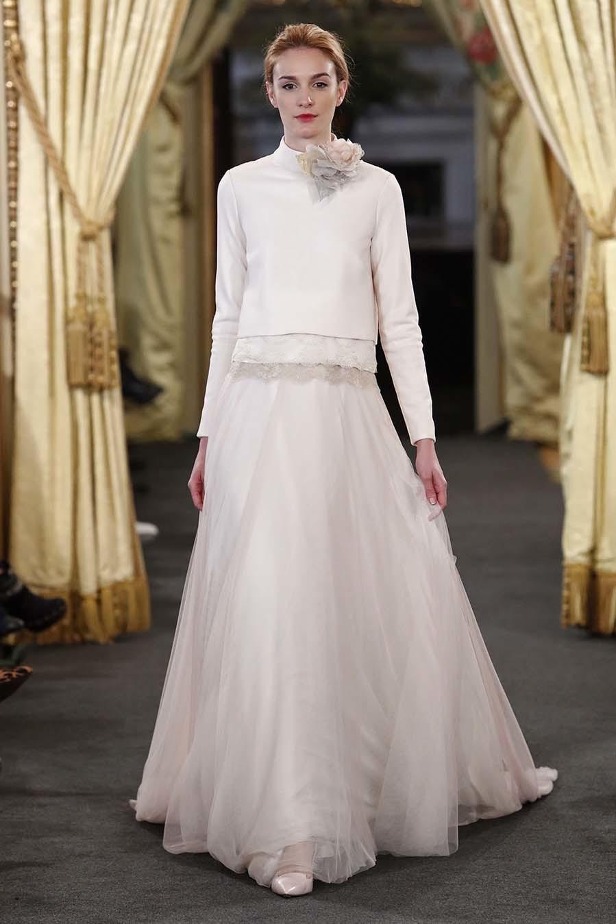 Falda de tul, parte de arriba más sport: un vestido de novia de lo...