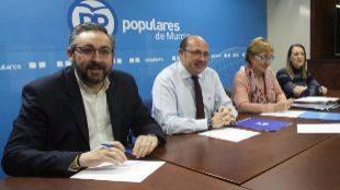 Primera reunión de la Ejecutiva del PP de Murcia después de la...