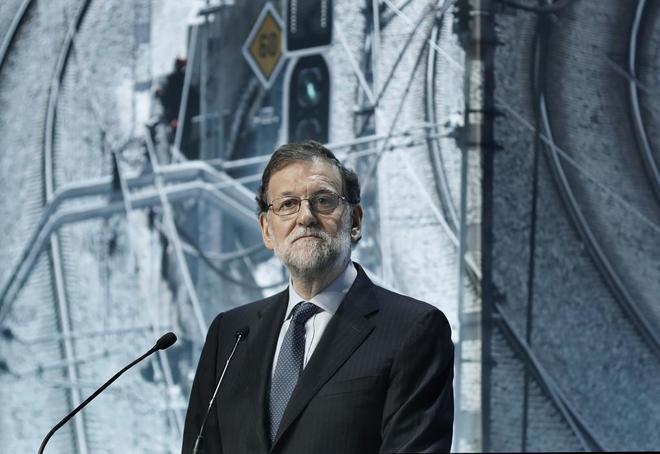 """Rajoy, durante su intervención en la inauguración de la jornada sobre infraestructuras """"Conectados al futuro"""", celebrada esta mañana en el Palau de Congresos de Cataluña"""