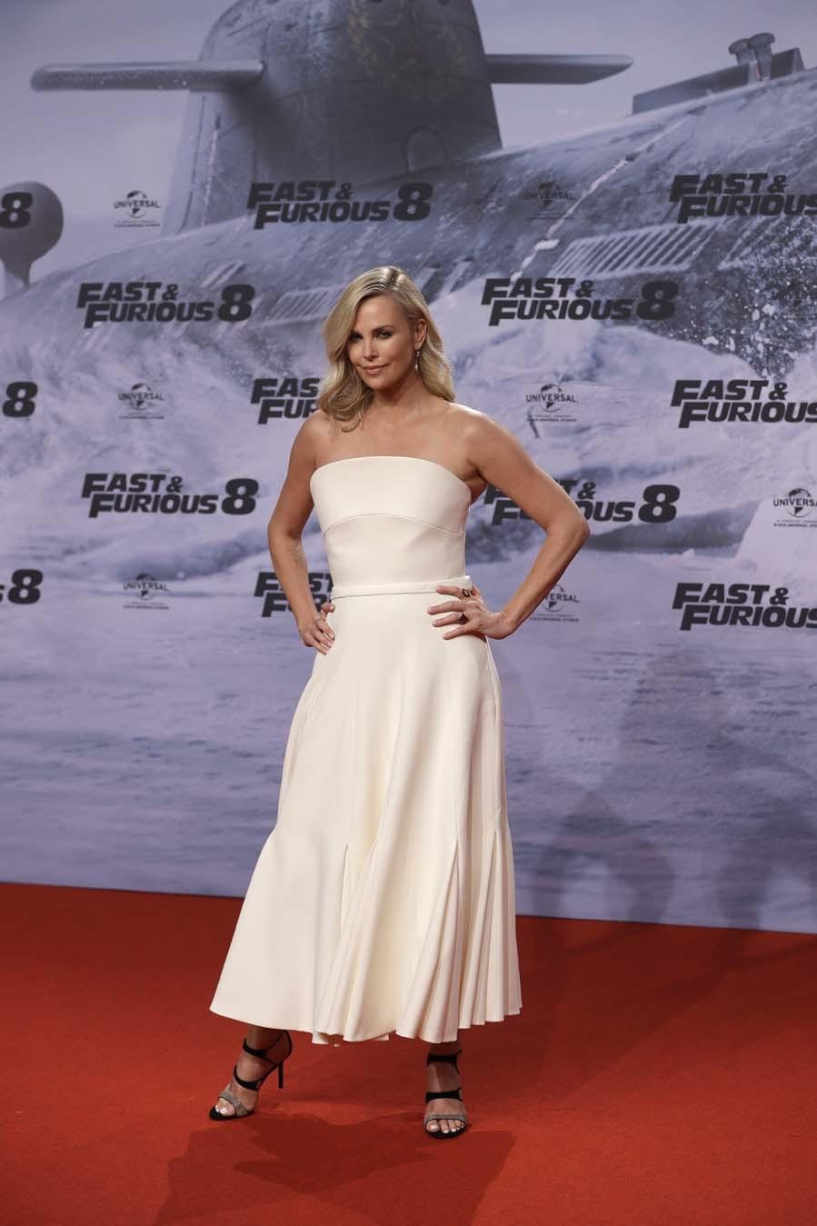 Para el evento, eligió este vestido de Dior Haute Couture en color...