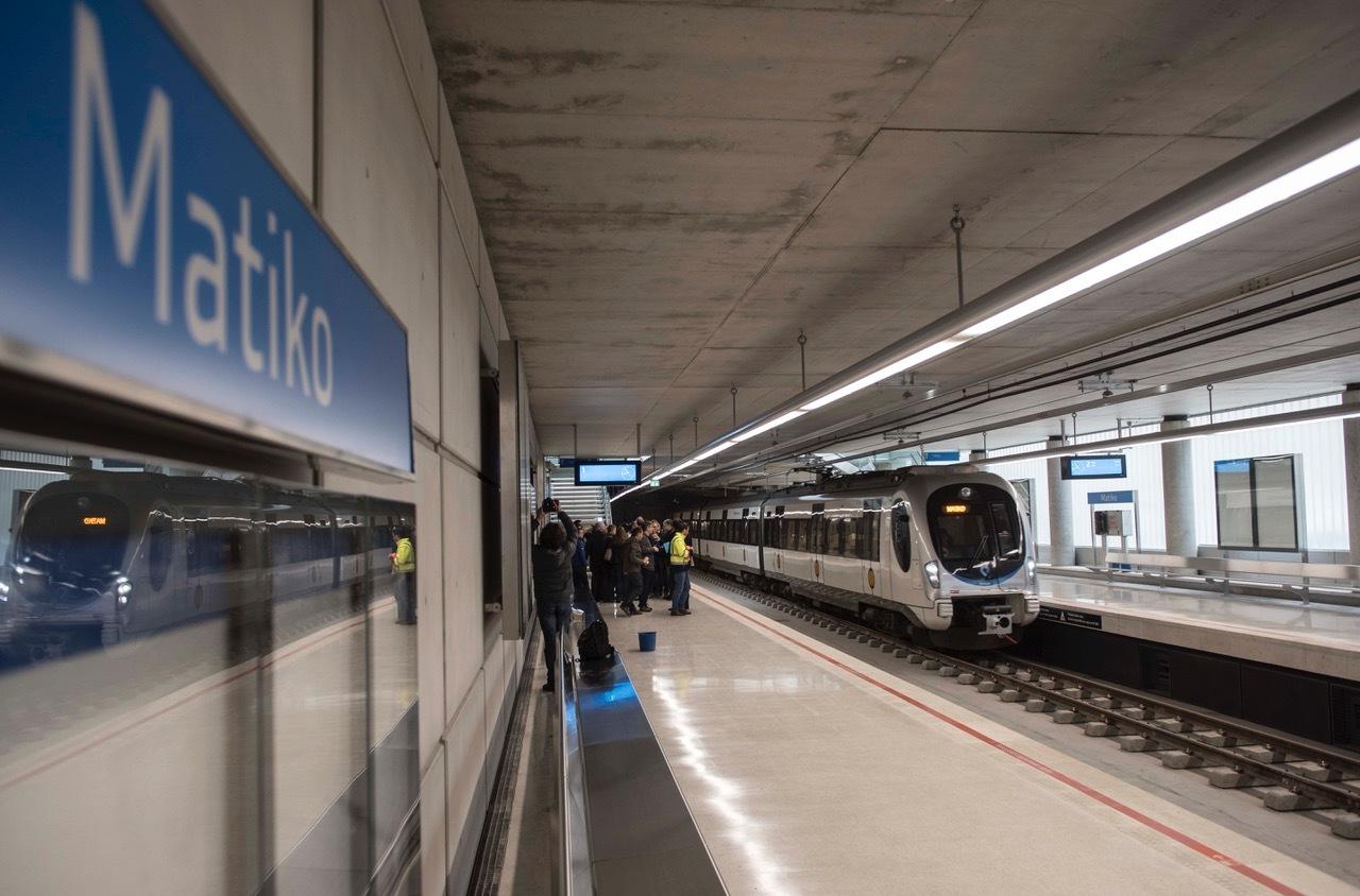 La L Nea 3 Del Metro Prev Transportar Viajeros Al
