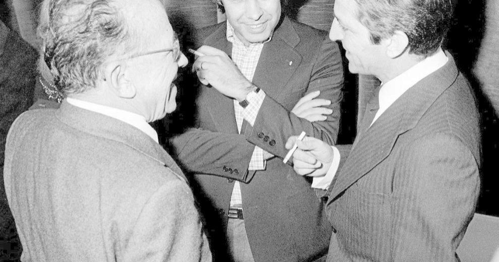 LOS PROTAGONISTAS. Santiago Carrillo, con Adolfo Suárez y Felipe...