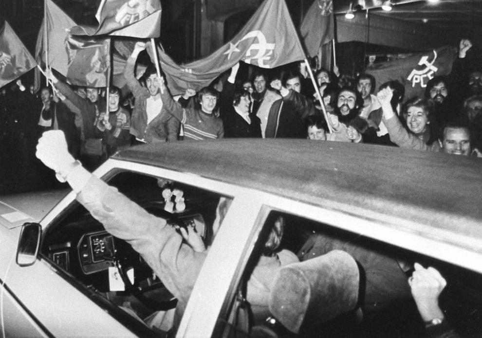 FIESTA. Alegría en las calles de Madrid después de hacerse pública...