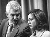 La entonces diputada y dirigente del PSOE, junto a Pasqual Maragall en...