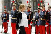 La ministra de Defensa preside por primera vez una reunión del...