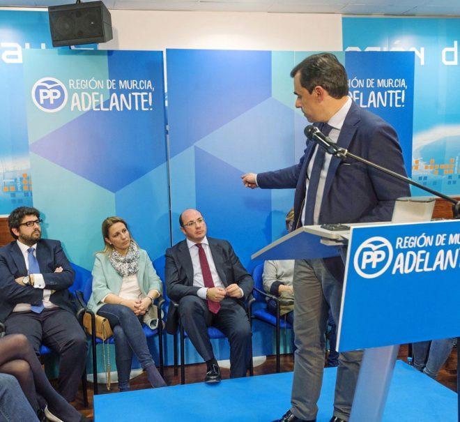 Maíllo señala a López Miras y Sánchez el día de la dimisión de...
