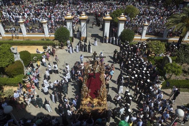 áspero Virgen piel oscura en Sevilla