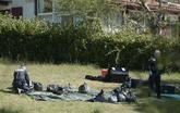 Un policía antiterrorista de Francia embolsa parte del arsenal de...