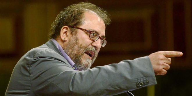 Chesús Yuste, ex diputado de la Chunta Aragonesista, durante un...