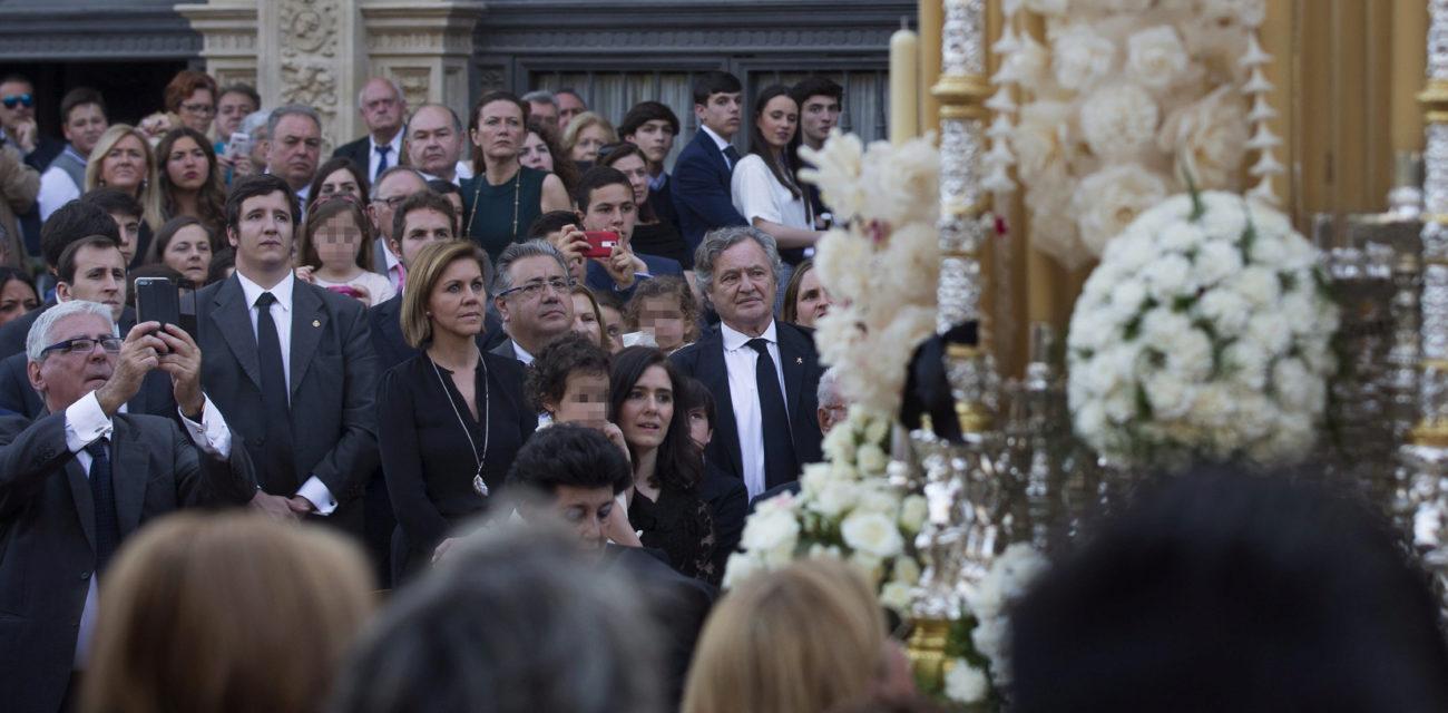Los ministros María Dolores de Cospedal y Juan Ignacio Zoido asisten...