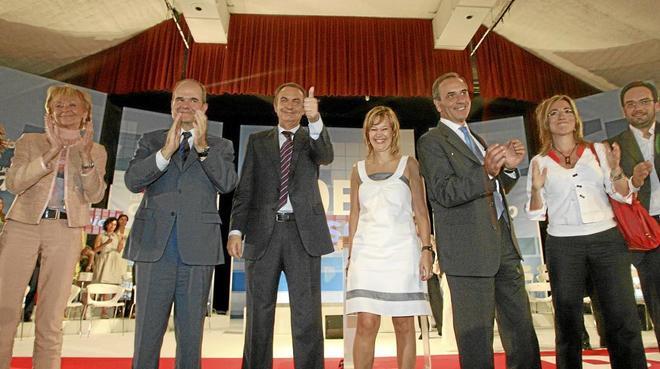 Zapatero, con Fernández de la Vega, Manuel Chaves, Leire Pajín,...