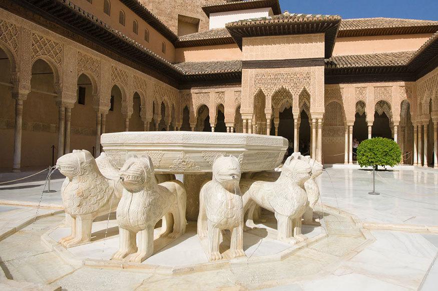La Alhambra es hoy, quizá el mejor tesoro que guarda la ciudad de...