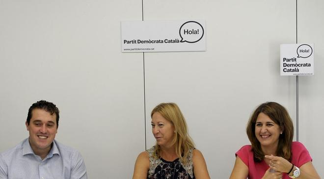David Bonvehí, coordinador organizativo del PDeCAT, con Neus Munté y Marta Pascal